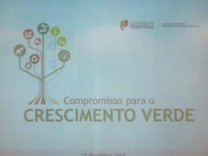 Slide de apresentação do Compromisso para o Crescimento Verde do evento realizado no auditório do CNEMA em Santarém no dia 28 de Novembro de 2014 sobre a área temática da Agricultura e floresta