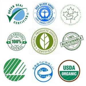 Alguns rótulos são mais legítimos do que outros. A linha do meio é constituída por rótulos ecológicos não verificados, as linhas de fundo e de topo têm rótulos ecológicos oficiais.