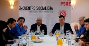 Encuentro Socialista em Badajoz realizado no dia 7 de fevereiro de 2015 com António Costa (PS) e Pedro Sanchez (PSOE)