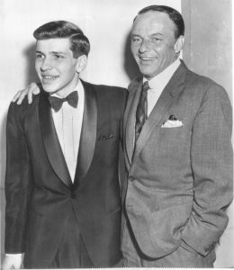 Frank Sinatra e o seu filho Frank, Jr.