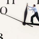 O tempo perguntou ao tempo, quanto tempo o tempo tem… – Gil Oliveira